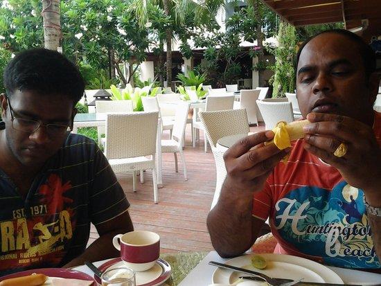 Mercure Pattaya Hotel: robin