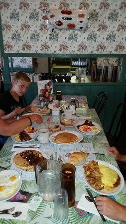 Breakfast Club : avec ca on est calé pour la journée pour 13$/pers !