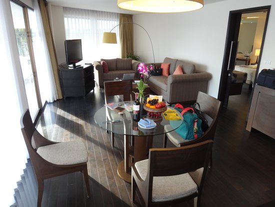 Le Meridien Phuket Beach Resort : suite room