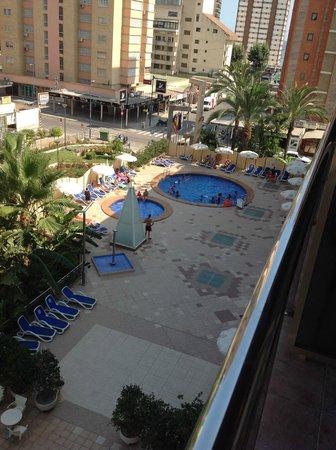 Servigroup Diplomatic: desde la habitación. Hay otra piscina para nadar detrás