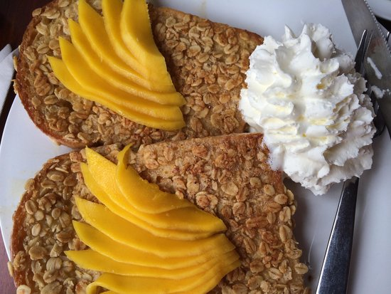 Joma Bakery Cafe: Oat French Toast with Mango