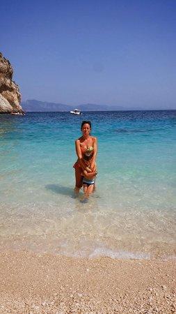 Immersi nelle bellissime acque di cala Mariolu