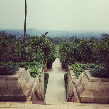 Amanjiwo Resorts: the walk down to the rooms