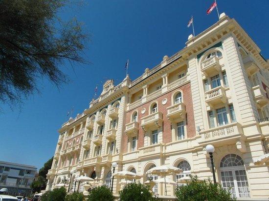 Grand Hotel Cesenatico: Front of hotel