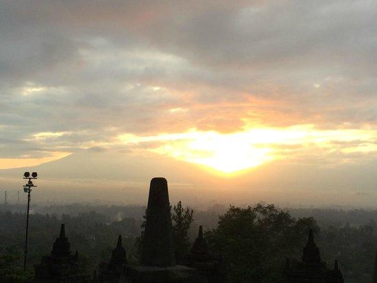 Amanjiwo Resorts: borobodur sunrise view