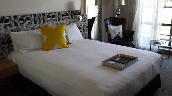 QT Canberra: comfortable bed