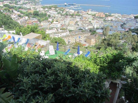 Residence Parco Mare Monte: Вид из нашего окна