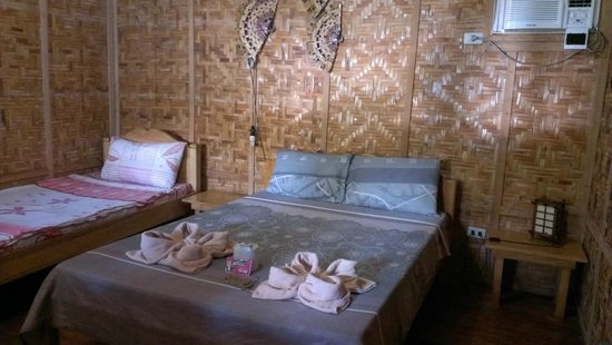 Asian-Belgian Dive Resort: Mattress is not comfortbale, it's supposed to be rustic!