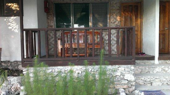 Asian-Belgian Dive Resort: Balconey facing restaurant