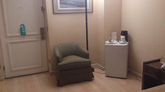 """Tempo Rent Apart Hotel: Según su WEB """"amplio living room"""""""
