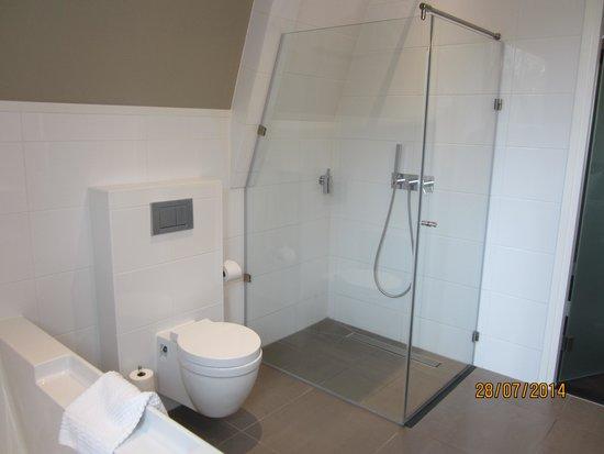 Fletcher Hotel-Restaurant Duinzicht: Badkamer
