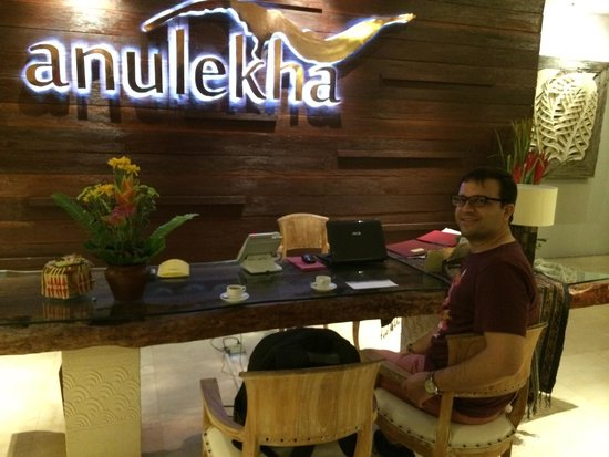 Anulekha Resort  and Villa: Reception desk