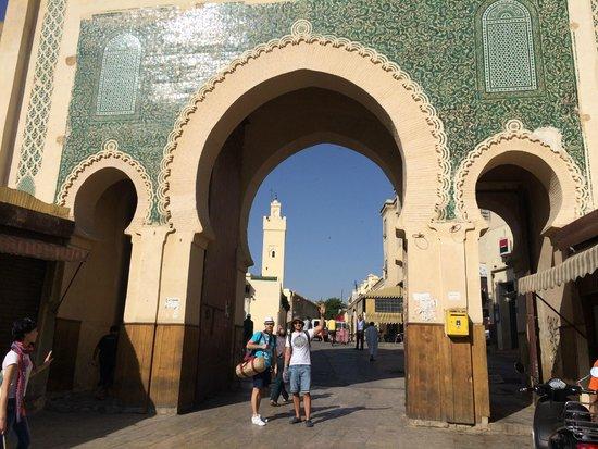 Bab Boujloud: Ворота вид из Медины
