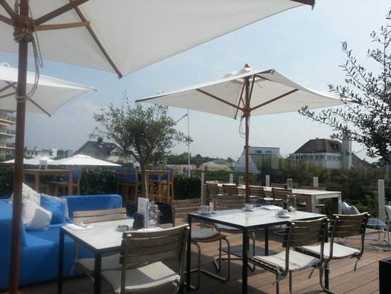 Vesper Hotel: The terrace for breakfast, lunch and lounging