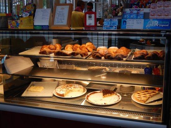 Parco Vacanze Piccolo Paradiso: Breakfast buffet