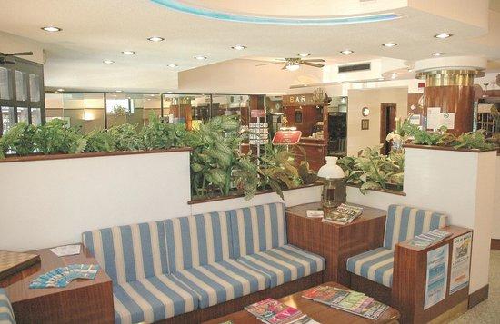 Hotel Crystal: Hall e Ricevimento