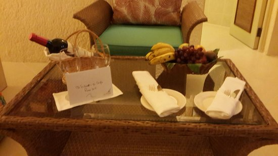 La Pirogue Resort & Spa : Complimentary treats
