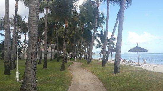 La Pirogue Resort & Spa : Walk to Sugar Beach