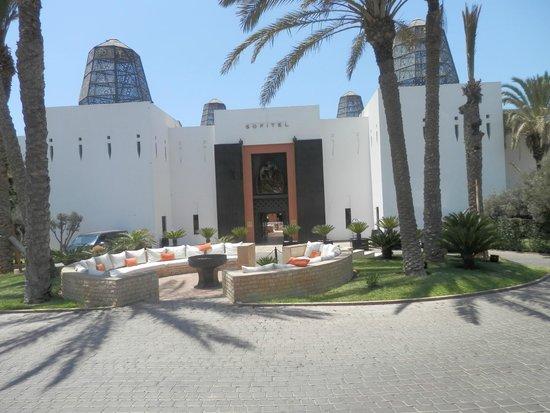 Sofitel Agadir Royal Bay Resort: entrée de l'hotel