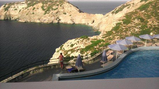 CHC Athina Palace Resort & Spa: Widok z tarasu przy głównym barze