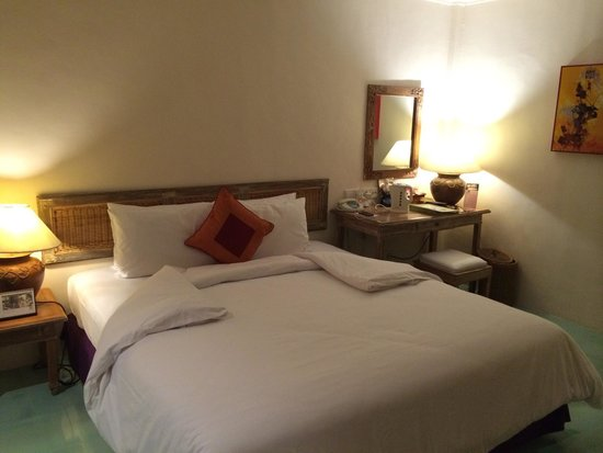 Alam KulKul Boutique Resort: Bed