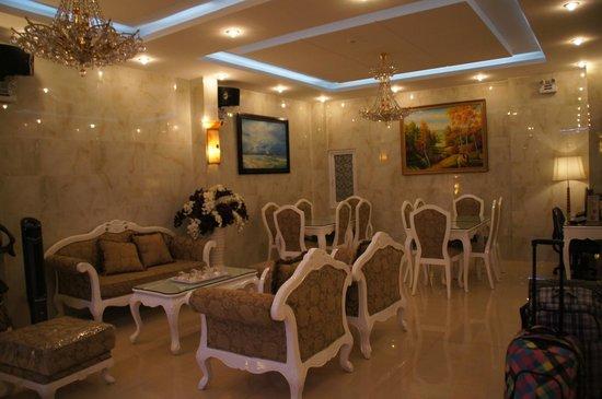 Tulip Hotel Dalat II : Холл отеля