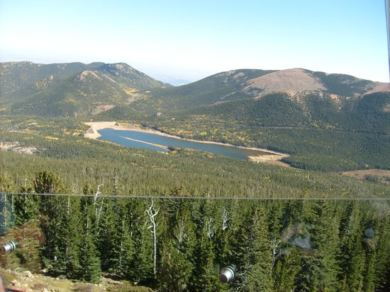 Pikes Peak Cog Railway : A mountain lake