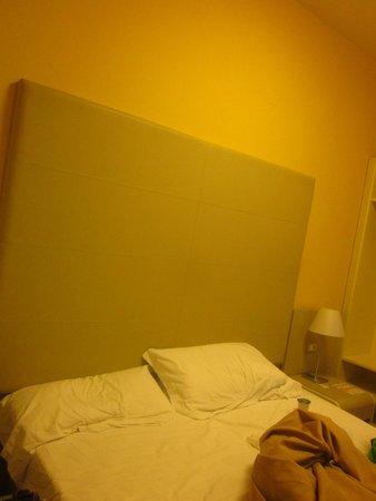 Hotel Centrale Byron : Letto
