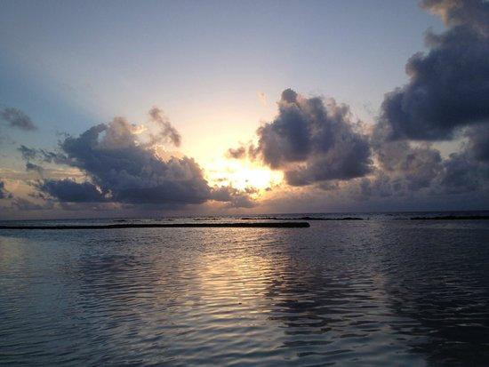 Kuredu Island Resort & Spa: Закат на Мальдивах