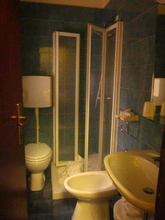 Hotel Centrale Byron: Bagno