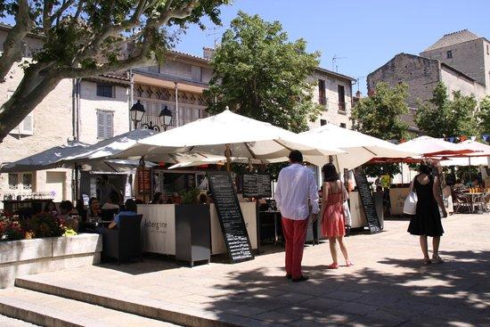 Hotel de l'Atelier : Place des restaurants