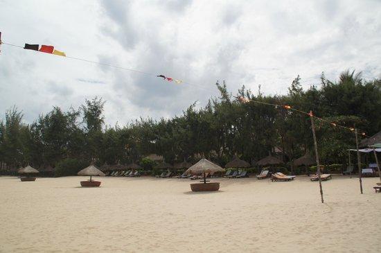 Cham Villas: Пляжная линия
