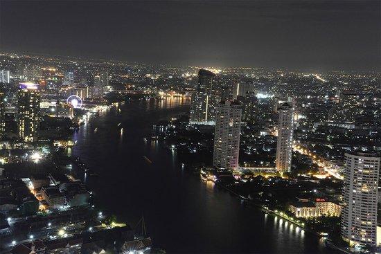 Sky Bar, Bangkok: In der Nacht ca. 21.00 Uhr