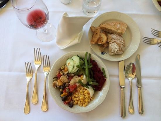 Hotel Meranerhof: Dinner - salad bar options
