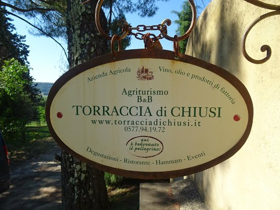 Torraccia di Chiusi: Sign at the gate
