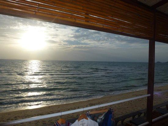 Lipa Lodge Beach Resort: View from room