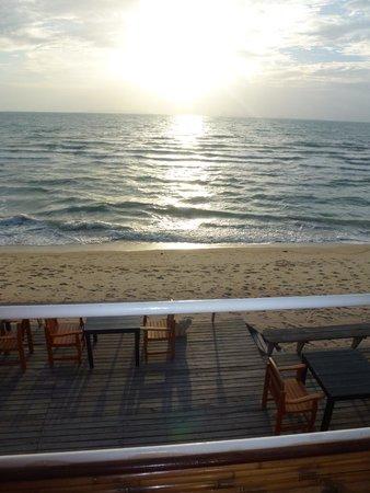Lipa Lodge Beach Resort: View from decking