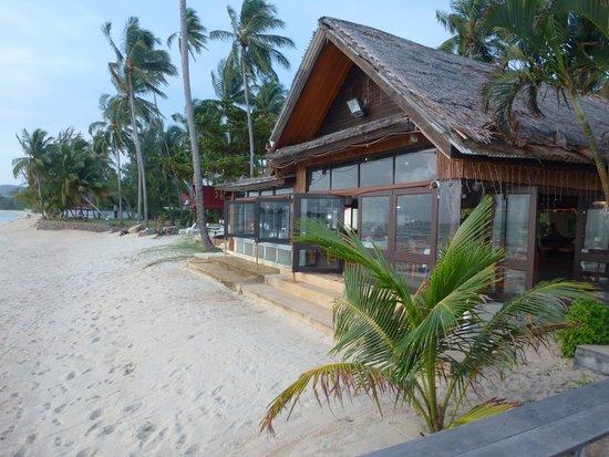 Lipa Lodge Beach Resort: Restaurant