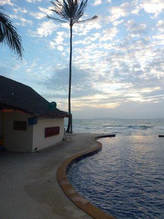 Lipa Lodge Beach Resort: Pool