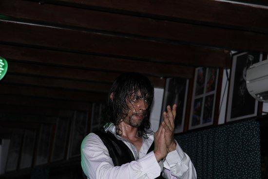 Flamenco Live Jardines de Zoraya: Танцор