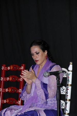 Flamenco Live Jardines de Zoraya: Танцовщица