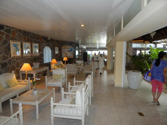 Merville Beach Hotel : Lounge