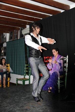 Flamenco Live Jardines de Zoraya: Танец