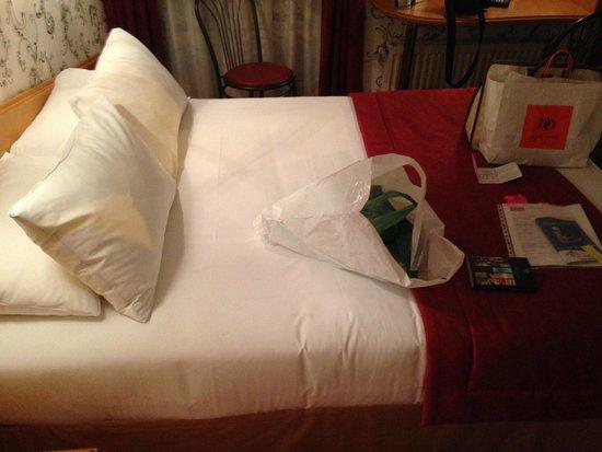 BEST WESTERN Hotel Beausejour Lourdes : cama