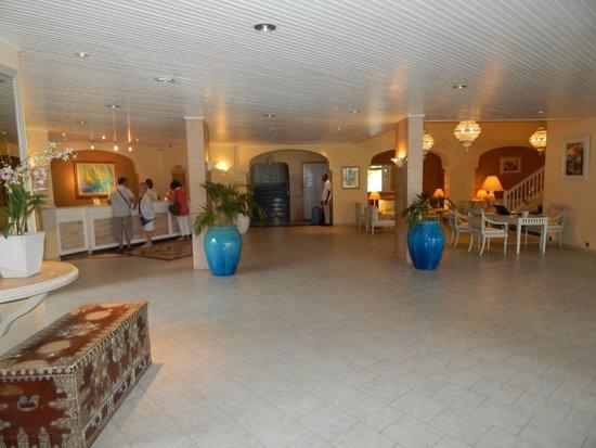 Merville Beach Hotel : Reception