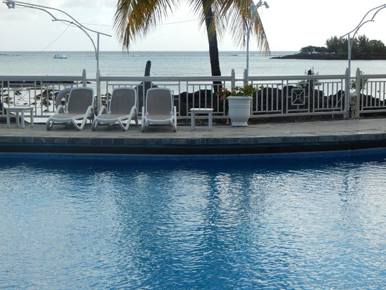 Merville Beach Hotel: pool
