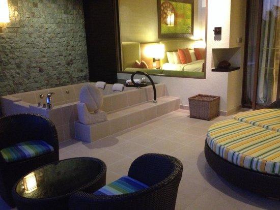 Shangri-La's Rasa Ria Resort & Spa: Room in Ocean Wing