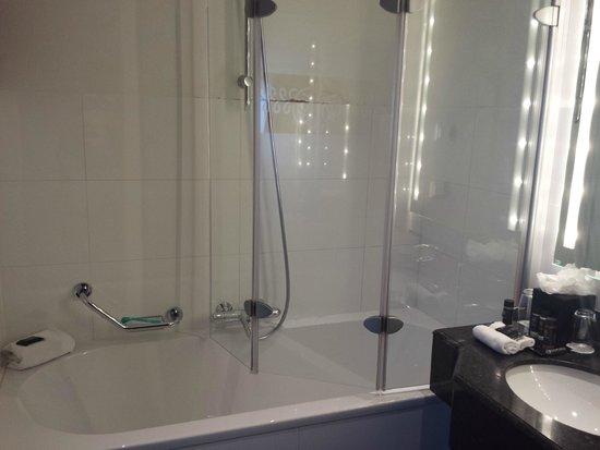 Grand Hotel Amrath Amsterdam: Shower challenge
