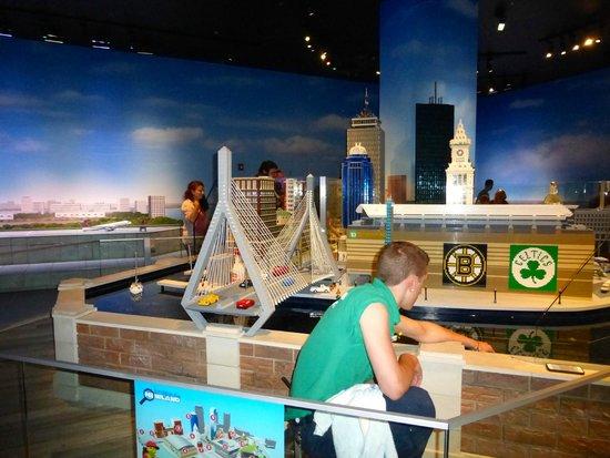 Boston Replica Room - Picture of Legoland Discovery Center ...