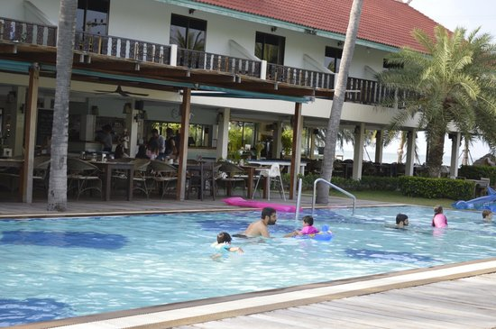 Dolphin Bay Resort: pool